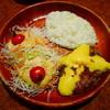 びっくりドンキー - 料理写真:チーズバーグディッシュ¥753 +追加ディッシュサラダ¥108