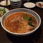 南風荘 - 担々麺