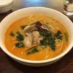 モカロ - 牡蠣とほうれん草のスープパスタ(1300円)
