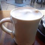 ネイバーフッド アンド コーヒー - チャイラテ