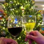 33711112 - ワインで乾杯♪