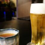 和伊酒 DEERA - 生ビール(500円)と烏龍茶