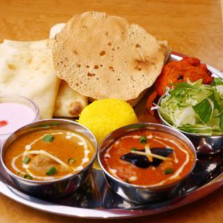 ★ドライカレーが人気★インド本場のスパイスの風味と深いコク