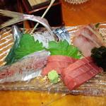 山女魚 - 刺身の盛り合わせ 3,000円(2014.11月)