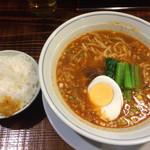 しま屋 - ランチサービス800円 タンタンメン+ライス小