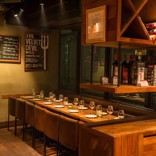 カフェ・バー&レストランの雰囲気