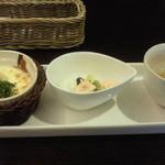 33724703 - ロッシェランチ ¥1080の前菜 2014.12.25