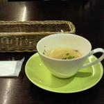 33724705 - ロッシェランチ ¥1080のスープ 2014.12.25