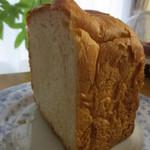 グード・ファリーヌ - 食パン半斤(189円)玉子は使っていないそうです。