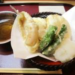 季節料理 みのり - きす天ぷら(1000円+税)。サクっとふんわい<2014.12>