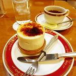 33730877 - ケーキセット(800円)(シブースト+紅茶にしてみました)