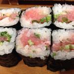 いなせ寿司 - ネギとろ巻き、すきっ腹にはまずこれを!
