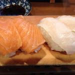 いなせ寿司 - サーモンandえんがわ、脂ののったエンガワは冬の美味