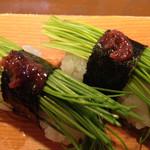 いなせ寿司 - 芽ネギ、ネギ特有の強い香りも、酢飯なら、ベターマッチング