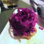 オステリア・ピノ・ジョーヴァネ - 白身のフリットと紫キャベツのマリネ