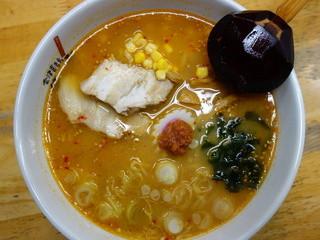蔵々亭 - 辛味噌ラーメン(¥620税込み)豆板醤が効いています。