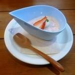 オーガニックカフェ チャント - 静岡県産いちごのムース