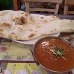 インド・ネパール料理 Raja - 卵カレーとナン
