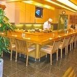 """王将鮨 - 老舗の寿司屋の特等席は、""""カウンター席""""ですよね♪"""