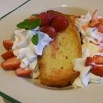 33761686 - 苺のコンフィチュールのフレンチトースト
