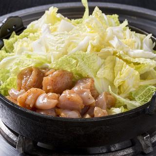 素材本来の旨味を引き出すこだわりの金沢名物「とり白菜鍋」