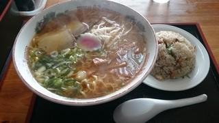 めし・定食 西葉食堂 - 2014年11月 ラーメン大盛り+半チャーハン