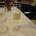 33767880 - グラススパークリングワイン 756円
