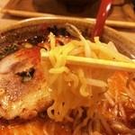 味噌乃家 - 麺はたまごちぢれ麺