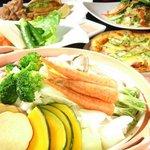 大地がごちそう - お野菜がたっぷり入ったお料理が自慢♪囲み料理以外にもたくさんの種類のお料理があるヨ!