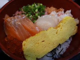 魚谷 - 三色丼