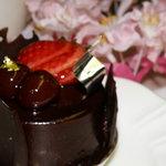洋菓子 セラ - ケーキの名前は忘れましたが濃厚なビター系チョコのケーキ