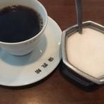Cafe倫敦館 - シュガー入れも年代物♬