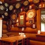 おじいさんの古時計 - 禁煙席側~♪時計~♪