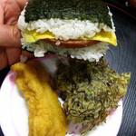 沖縄宝島 にらい  - ポークおにぎり205円・天ぷら105円(魚・もずく)