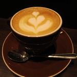 ナガハマコーヒー - ドリンクはカフェラテを