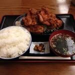 33796764 - 鶏の唐揚げ定食¥1,070+大盛り¥100