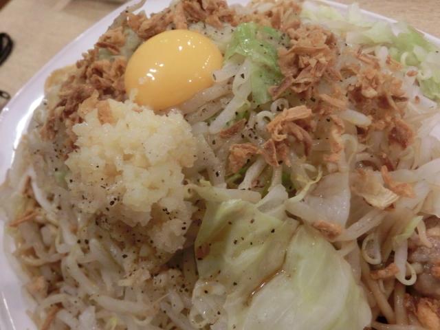 金太郎 - 生卵・ニンニク2種・キャベツ
