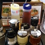 ますたにラーメン - 京都銀閣寺 ますたにラーメン 日本橋本店 卓上調味料類
