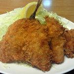 弥次喜多 - 魚河岸定食に付いてきたフライ。これはウマイ!