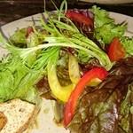 ジャンゴ - 店主みずらか作ったお野菜使用のサラダ