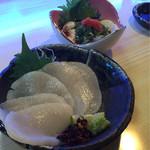 幸っちゃん寿司 - 貝柱の刺身、フグの白子