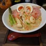 麺 チキンヒーロー - 海老パイタン大盛り¥800+味玉¥100(大盛り無料でした。)