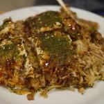 広島お好み焼き 三八 博多 - 料理写真:広島風おいしいです。