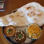 シェルパ - 料理写真:カトマンドゥセット(キーマ、ごま)