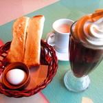 アイバ珈琲店 - モーニングセット、ソフトクリームコーヒー、ミルクコーヒー