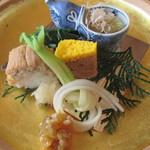 33807592 - 子持ちこんぶ、鯛しぐれ煮、煮穴子のお寿司