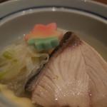 わら家 - わら家の5000円コース。煮物:ぶり大根(14.12)
