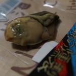 ワインアンドチーズ ホッカイドウノウコウシャ - 牡蠣の燻製