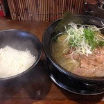 麺や 西や - 鶏魚介塩<細麺>(750円)+白ごはん(100円)