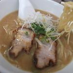 海門 - 味噌スープみたいでしょ?いえいえ、醤油らーめんなんです。